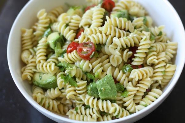 avocado-tomato-pasta